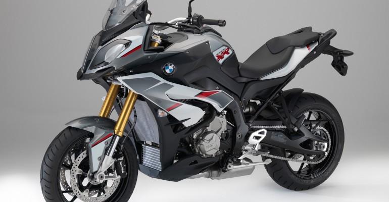 Nuevo color para la BMW S 1000 XR – 2016