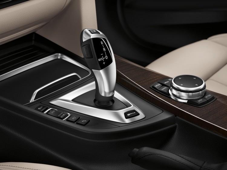 BMW Serie 3 330e - Interior