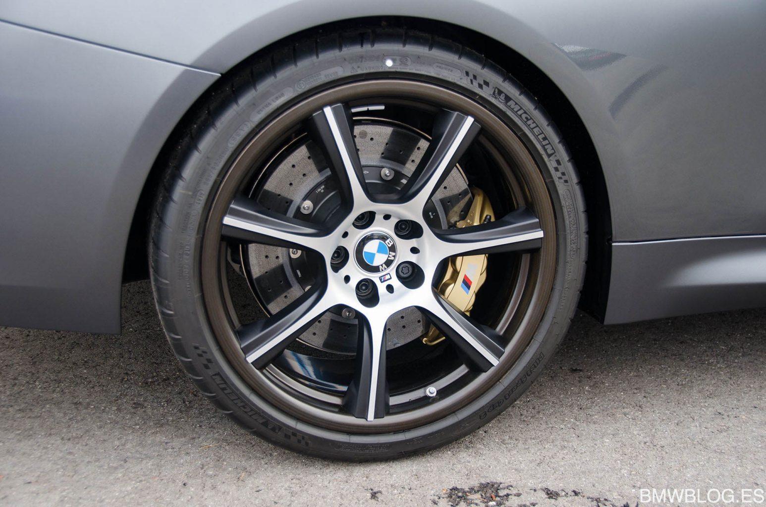 Parking-M4-GTS-Llanta