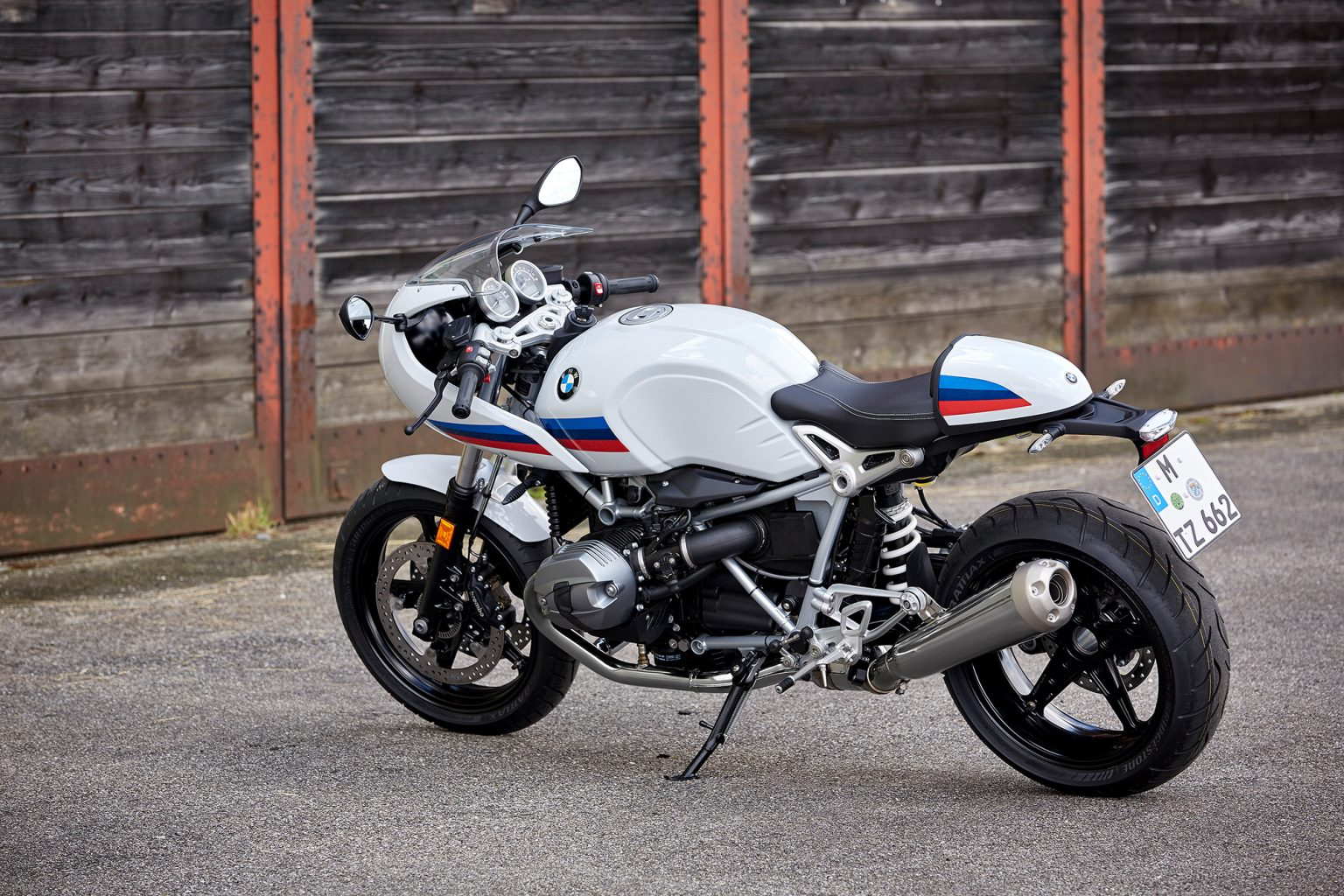 p90232633_highres_the-new-bmw-r-ninet