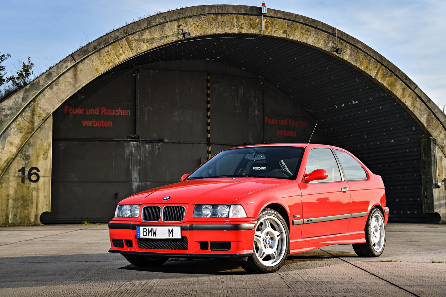 p90236494_highres_the-bmw-m3-compact-e