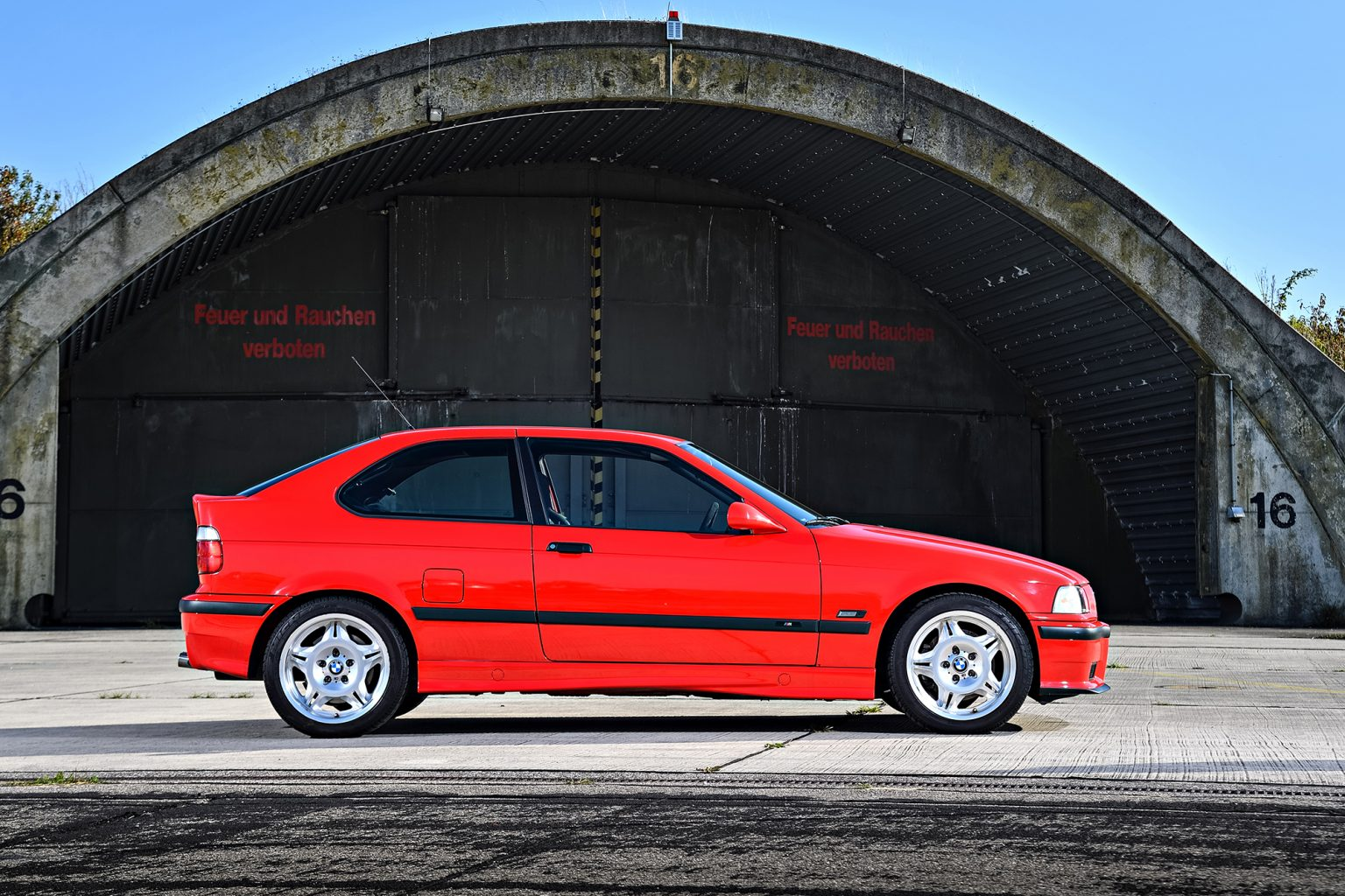 p90236495_highres_the-bmw-m3-compact-e